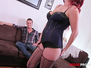 Beautiful Sandy Sugarlips blowing a friend's fat dick before hard sex