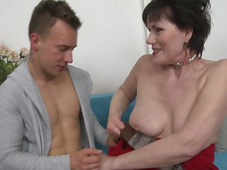 Mature amateur short haired granny Ryanne sucks a cock and gets fucked