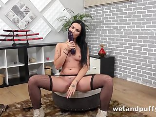 Thick dildo stretches out her luscious Euro pussy
