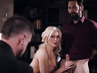 Blonde mommy Kenzie Taylor penetrated by 2 dicks - threesome with cumshots