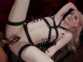 Dude fucks anus of ladyboy Lianna Lawson wearing chastity cage