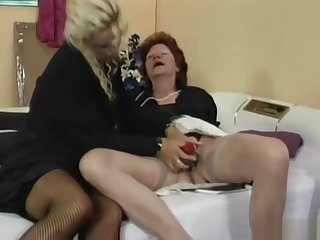 Granny fucks her lesbian friends pussy with strapon on GotPo