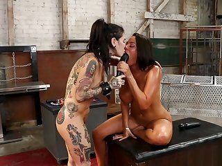 Huge tits Latina anal fucks alt lesbian