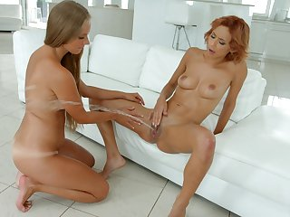 Shocking squirting and fisting for beautiful Kinuski and Veronica Leal