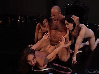 Fisting foursome with Anna De Ville, Malena Nazionale and Martina Smeraldi