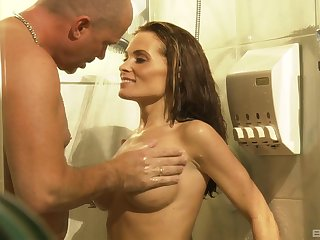 Quickie shag in the shower with fake boobs housewife Ginger Lea