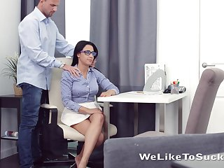 Horny nerdy brunette Chanel Lux seduces dude and gets pussy licked