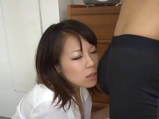Fit ass cutie Yuna Haruma drops on her knees to suck a dick
