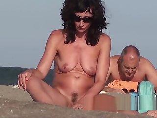 Amazaing Hot Bodies Naked Nudist female Beach Showers Voyeur