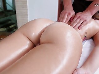 Nice babe Kharlie Stone takes a bath and gets her pussy massaged
