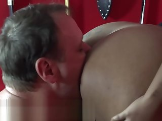 Hurt Room Slave can barely take huge Strap on
