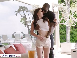 White chick Danni Rivers gets acquainted with huge black dick of new neighbor