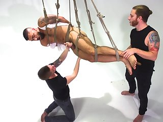Gay men are having a wild time getting laid in BDSM scenes