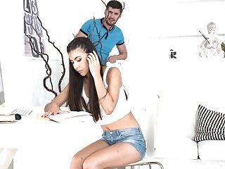 Turkish girlfriend Anya Krey allows her boyfriend to cum in wet yummy pussy